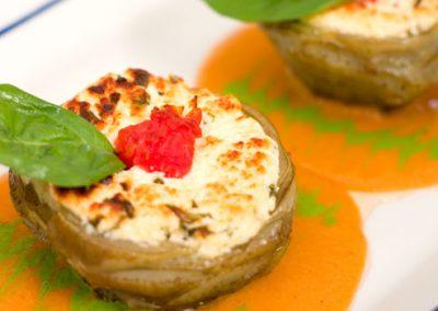 Alcachofas gratinadas rellenas con Pollo y Verduras)